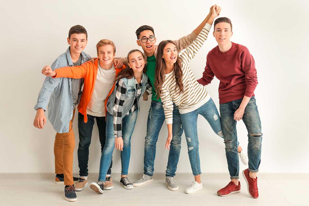Boldog fiatalok